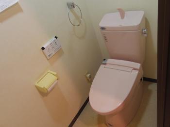 お手入れも楽々で、操作性も良く快適なトイレにリフォームできました。